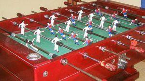 Futbolín de un salón de juegos